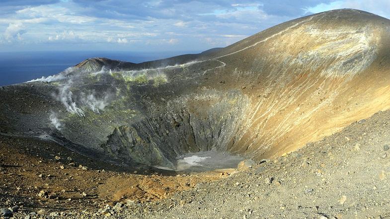 кратер Вулькано