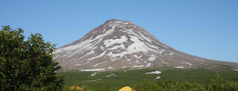 вулкан Августин