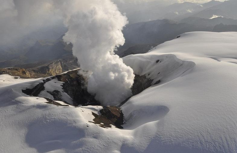 кратер Невадо-дель-Руиса