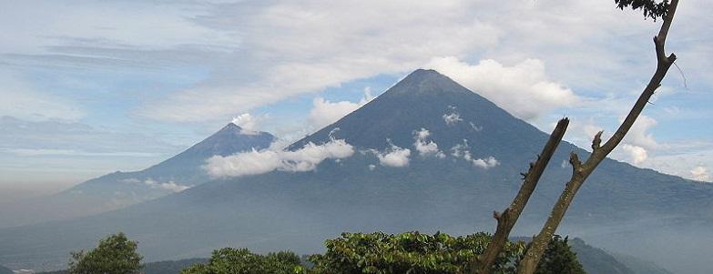 Фуэго вулкан