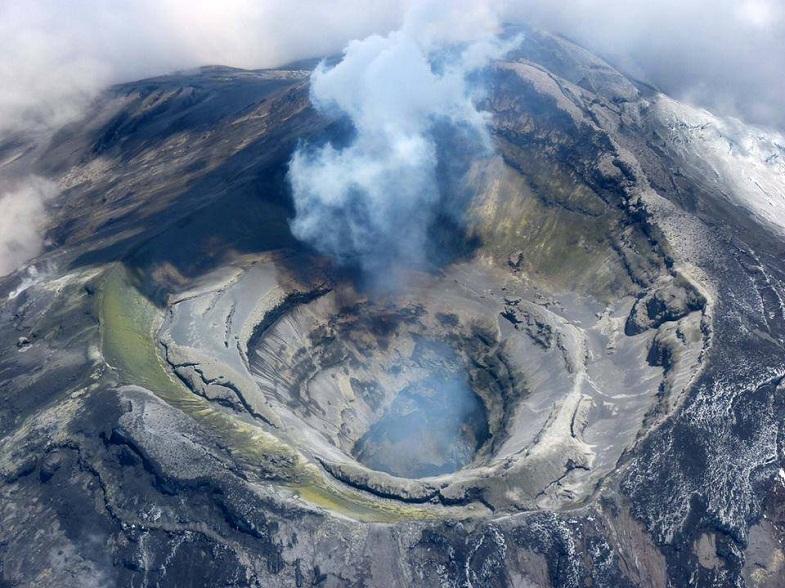 Котопакси кратер