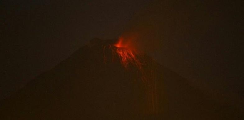 Накаливание кратера Тунгурауа 12 октября