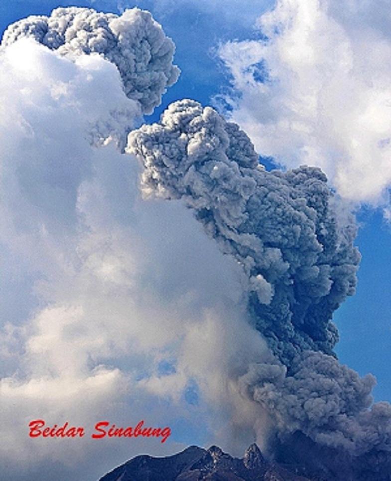 Синабунг вулкан 20 апреля