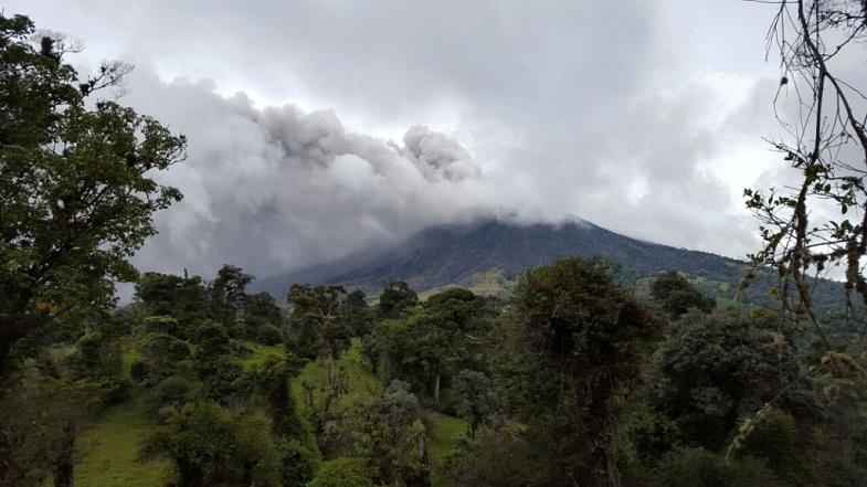 Турриальба вулкан 23 мая