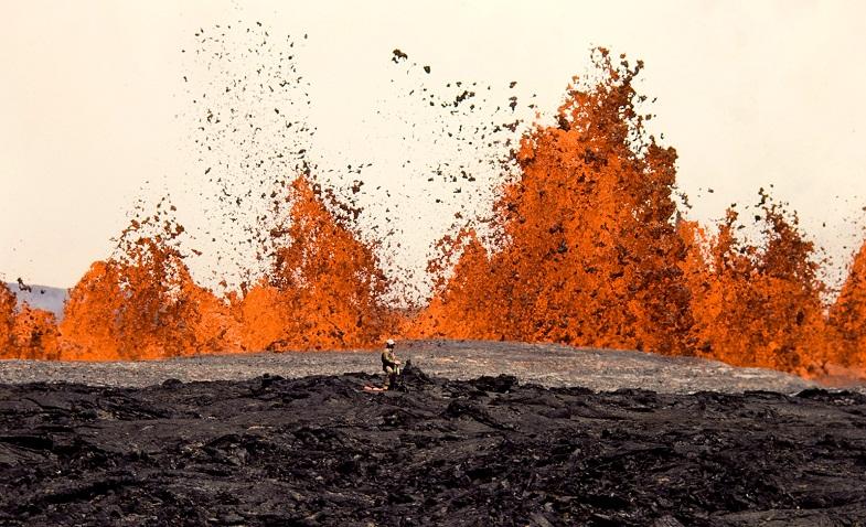Фонтанирование лавы на Мауна-Лоа