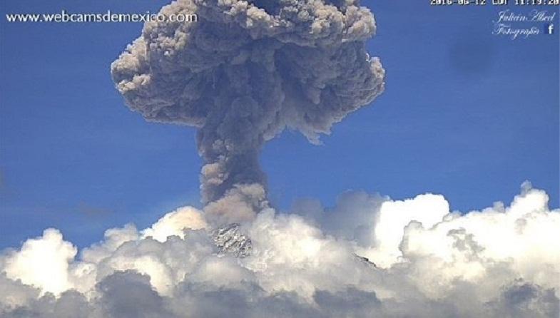 Попокатепетль вулкан 12 июня