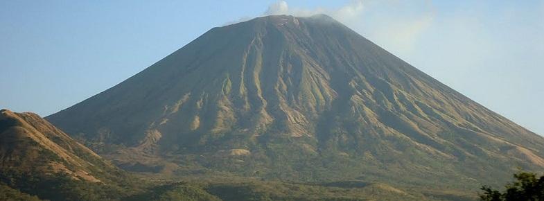 Сан-Кристобаль вулкан