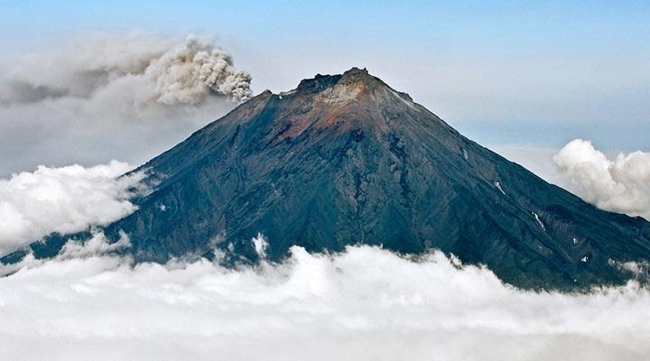 Извержение Корякской Сопки фото