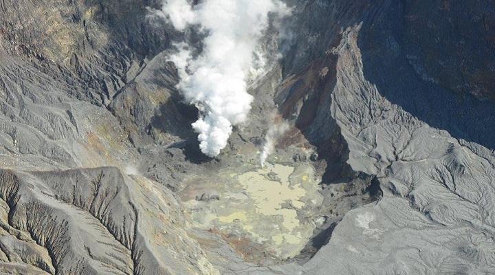кратер Уайт-Айленда фото