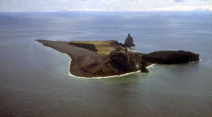 Богослов вулкан