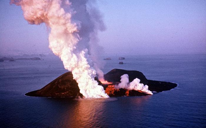 извержение вулкана Суртсей