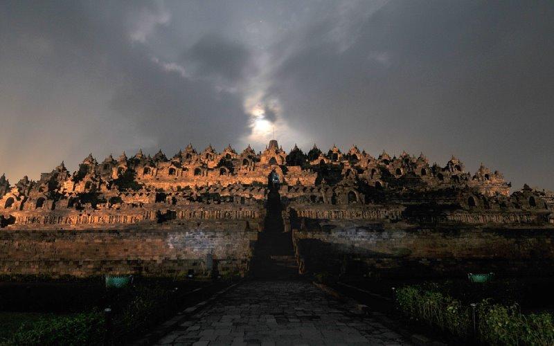 святилище Боробудур в наше время