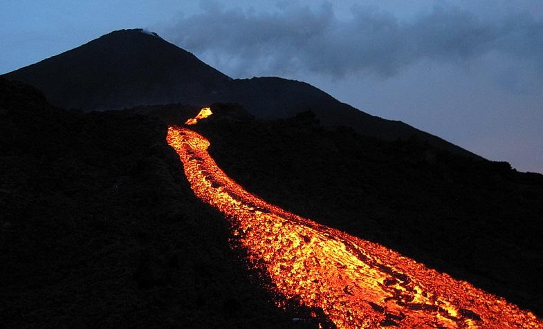 В Гватемале не планирует прекращать извержения вулкан Пакайя